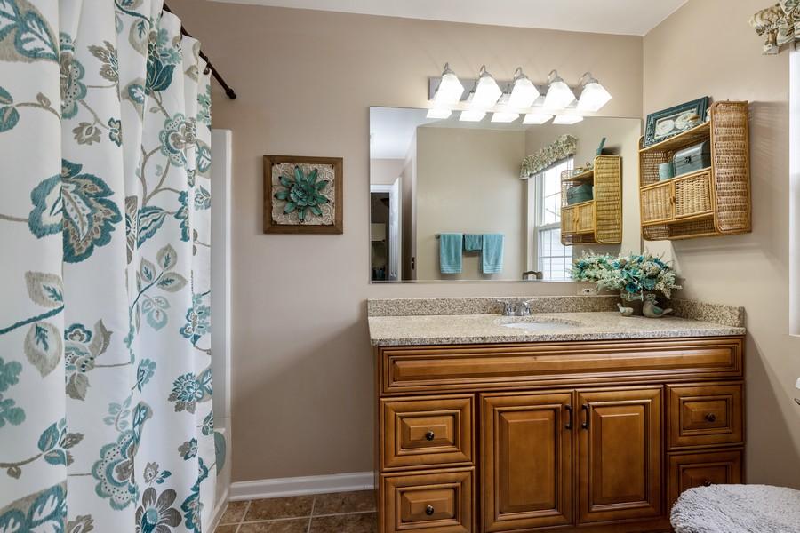 Real Estate Photography - 709 Baxter Ct, Lake Villa, IL, 60046 - Bathroom