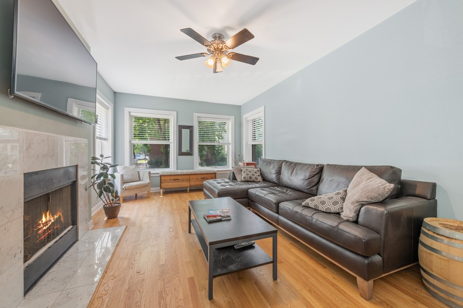 Real Estate Photography - 2144 West Giddings St, 1, Chicago, IL, 60625 - Living Room