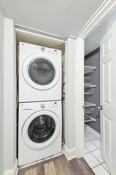 Real Estate Photography - 2144 West Giddings St, 1, Chicago, IL, 60625 - Laundry Room