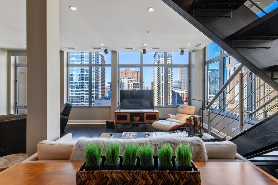 Real Estate Photography - 101 W Superior St, Unit 1204, Chicago, IL, 60611 - Living Room