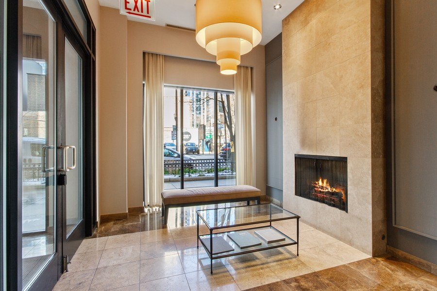 Real Estate Photography - 101 W Superior St, Unit 1204, Chicago, IL, 60611 - Lobby