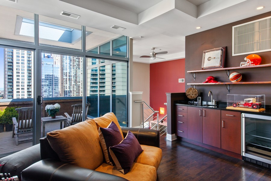 Real Estate Photography - 101 W Superior St, Unit 1204, Chicago, IL, 60611 - Bonus Room