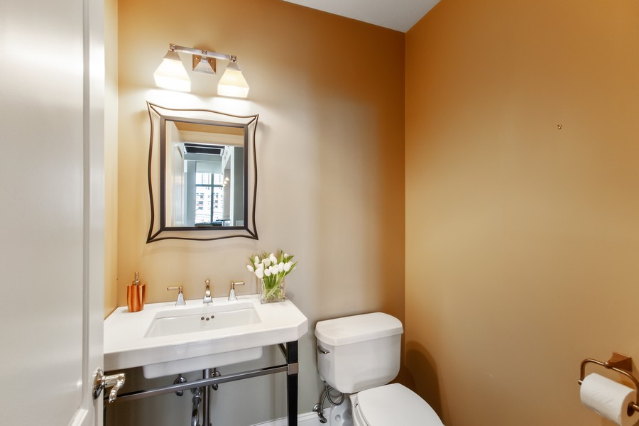 Real Estate Photography - 101 W Superior St, Unit 1204, Chicago, IL, 60611 - 2nd Bathroom