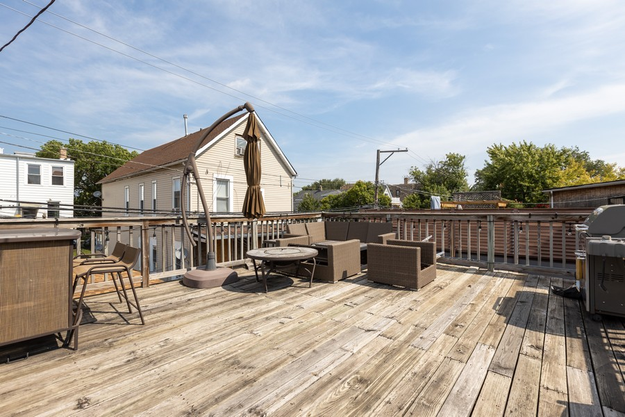 Real Estate Photography - 3008 W Lyndale, Chicago, IL, 60647 - Deck