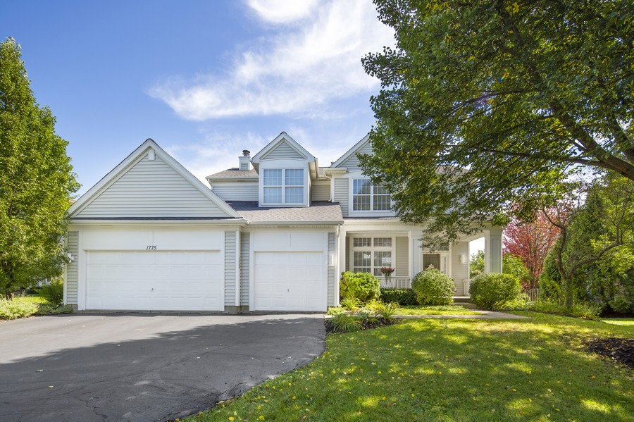 Real Estate Photography - 1775 Nashville Ln, Crystal Lake, IL, 60014 - Front View
