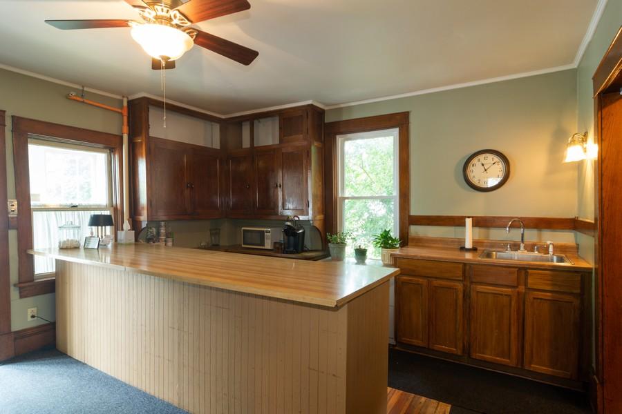Real Estate Photography - 308 West Main St, Barrington, IL, 60010 - Kitchen