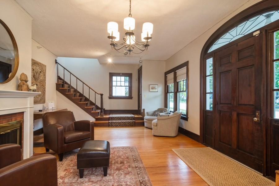 Real Estate Photography - 334 West Main St, Barrington, IL, 60010 - Foyer