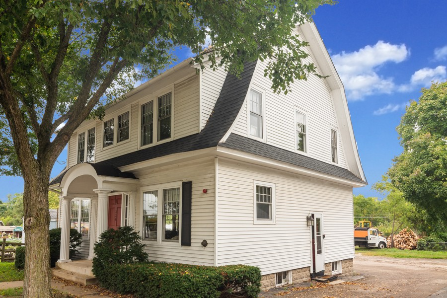Real Estate Photography - 334 West Main St, Barrington, IL, 60010 - Side View
