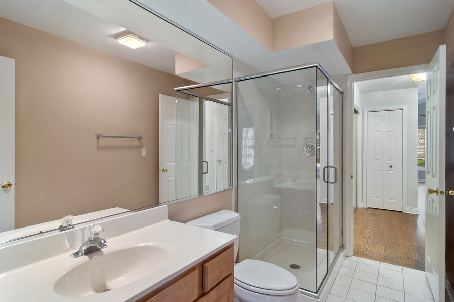 Real Estate Photography - 521 Park Barrington Way, Barrington, IL, 60010 - Bathroom