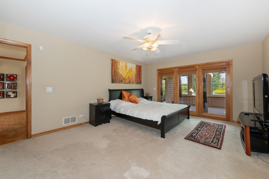 Real Estate Photography - 9S215 Chandelle Dr, Naperville, IL, 60564 - Master Bedroom