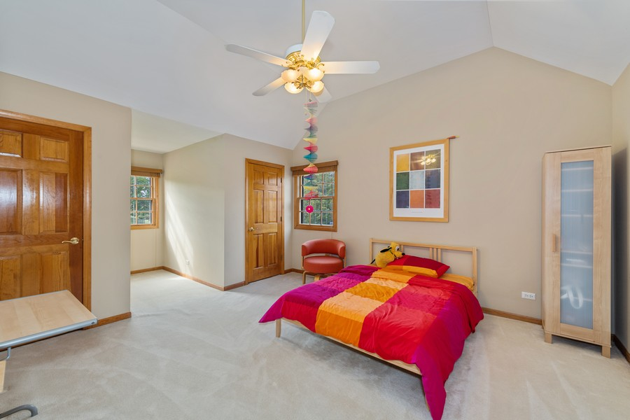 Real Estate Photography - 9S215 Chandelle Dr, Naperville, IL, 60564 - 2nd Bedroom