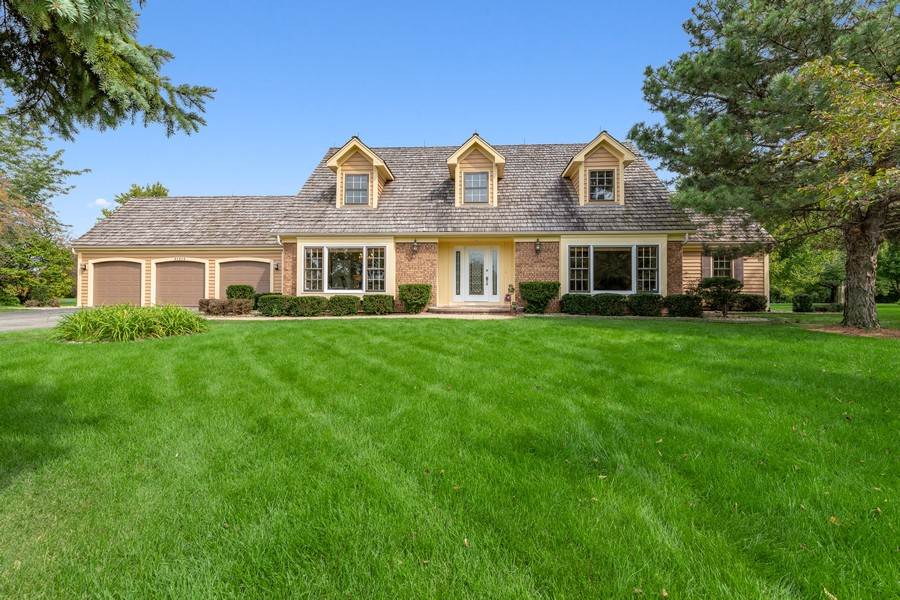 Real Estate Photography - 9S215 Chandelle Dr, Naperville, IL, 60564 - Front View