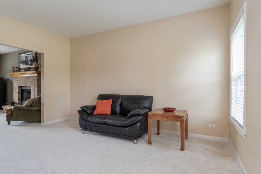 Real Estate Photography - 924 Asbury Dr, Aurora, IL, 60502 - Living Room