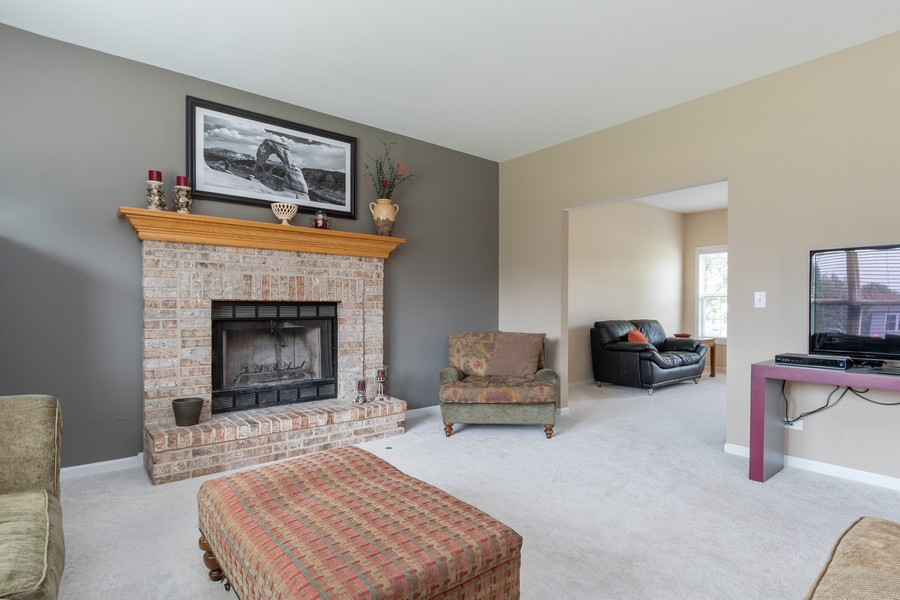 Real Estate Photography - 924 Asbury Dr, Aurora, IL, 60502 - Family Room