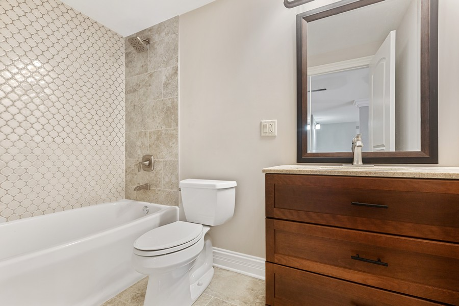 Real Estate Photography - 520 West 39Th St, Downers Grove, IL, 60515 - 4th Bedroom Bath