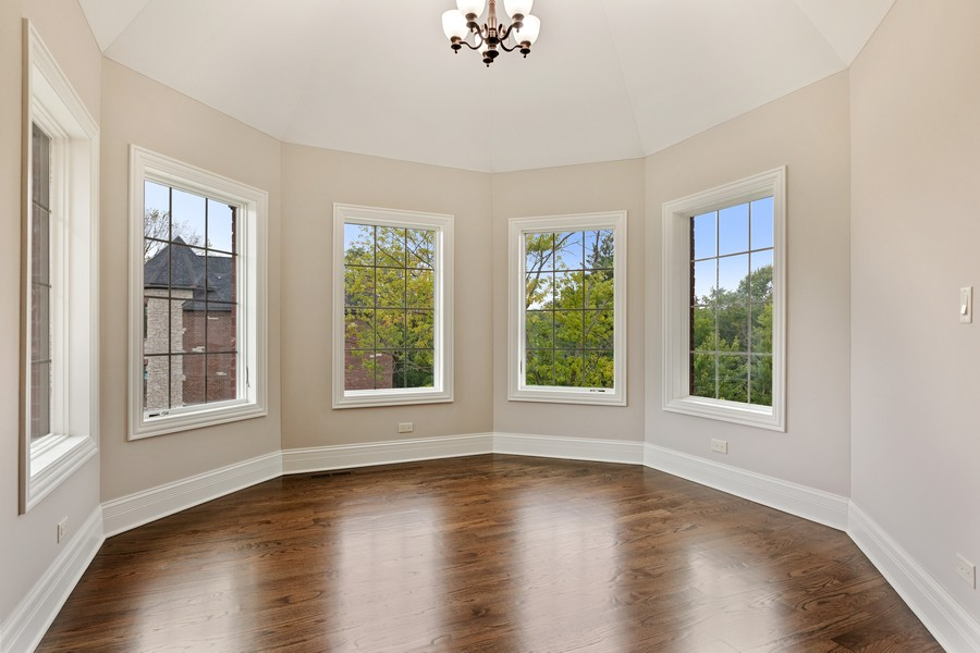 Real Estate Photography - 520 West 39Th St, Downers Grove, IL, 60515 - Master Bedroom Sitting Area