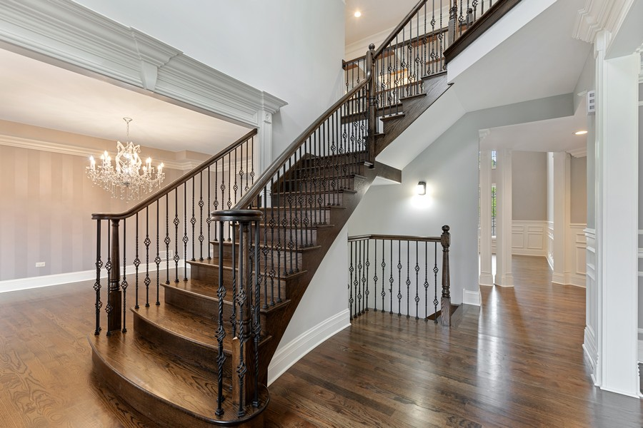 Real Estate Photography - 520 West 39Th St, Downers Grove, IL, 60515 - Foyer
