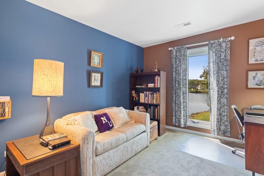 Real Estate Photography - 1470 Stonebridge Trl, 2-3, Wheaton, IL, 60189 - Bedroom