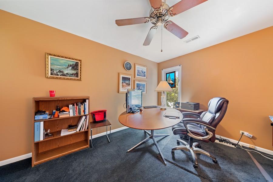 Real Estate Photography - 1470 Stonebridge Trl, 2-3, Wheaton, IL, 60189 - Den