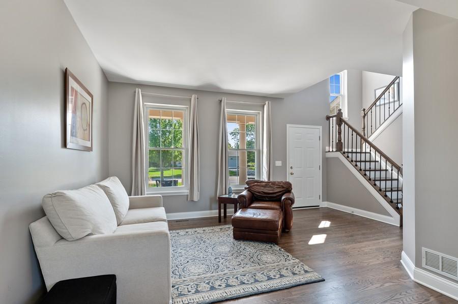 Real Estate Photography - 18601 West Meander Dr, Grayslake, IL, 60030 - Living Room