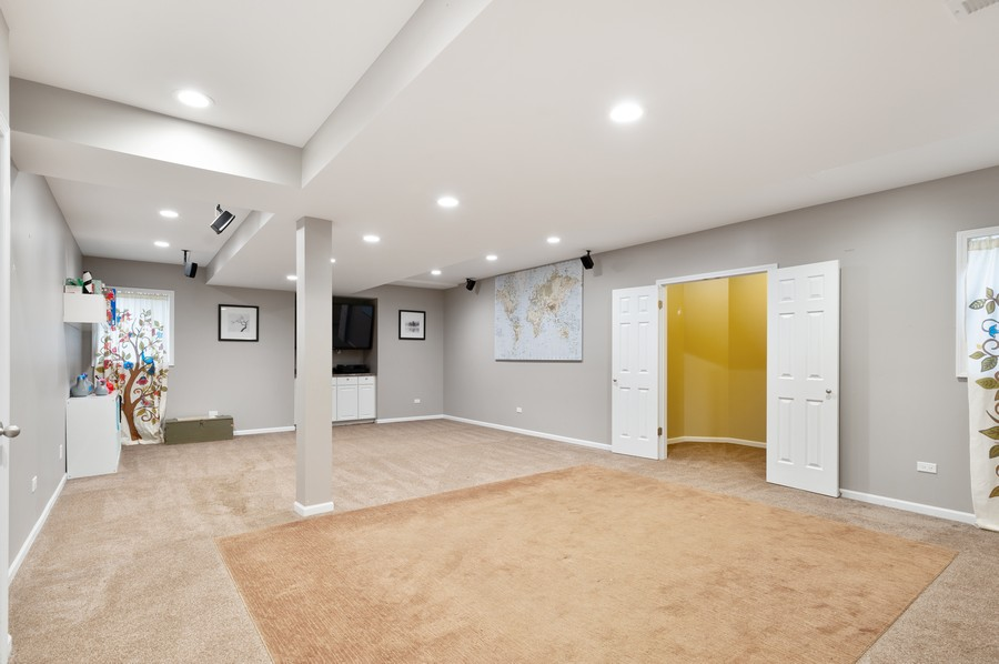 Real Estate Photography - 18601 West Meander Dr, Grayslake, IL, 60030 - Recreational Room