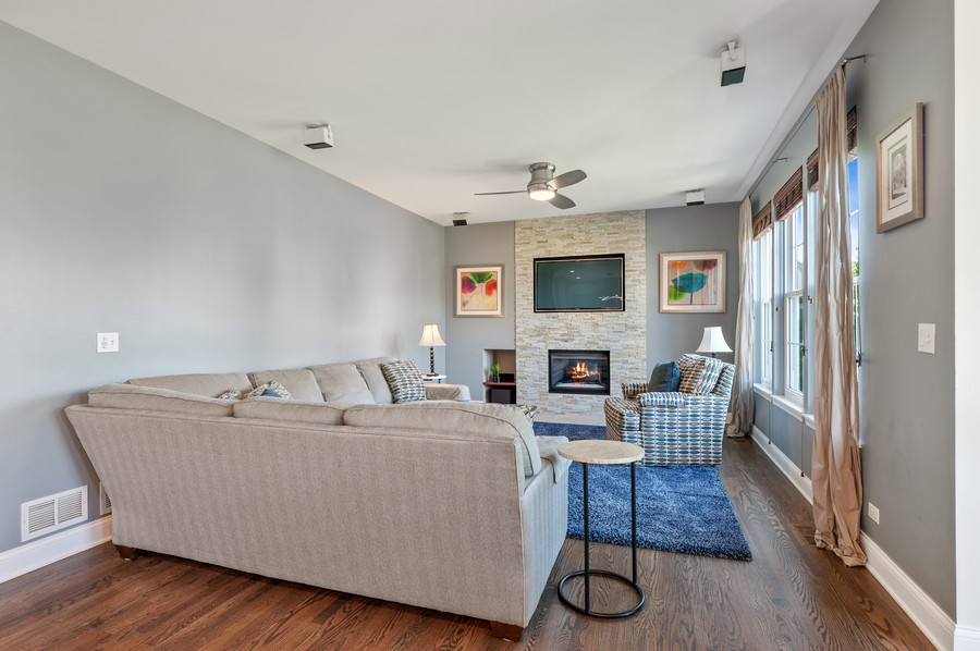 Real Estate Photography - 18601 West Meander Dr, Grayslake, IL, 60030 - Family Room