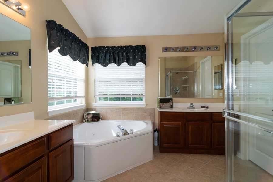 Real Estate Photography - 1394 Essex Dr, Hoffman Estates, IL, 60192 - Master Bathroom