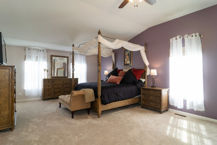 Real Estate Photography - 1394 Essex Dr, Hoffman Estates, IL, 60192 - Master Bedroom