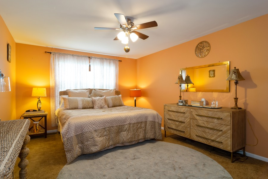 Real Estate Photography - 1394 Essex Dr, Hoffman Estates, IL, 60192 - 3rd Bedroom