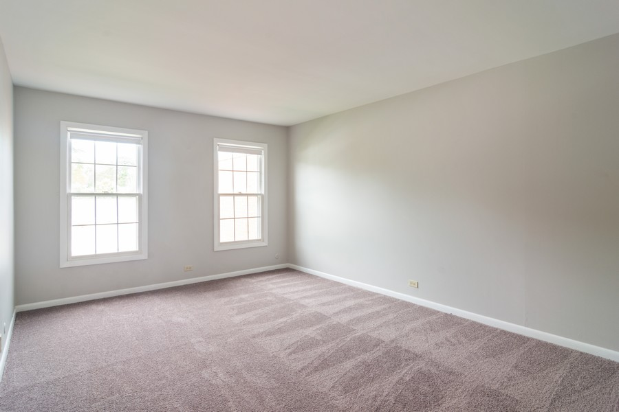 Real Estate Photography - 550 Shorely Dr, 204, Barrington, IL, 60010 - Master Bedroom