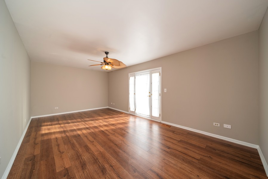 Real Estate Photography - 1399 Loch Lomond Dr, Crystal Lake, IL, 60014 - Family Room