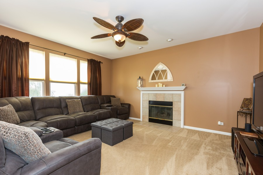 Real Estate Photography - 16511 Lanfear Dr, Lockport, IL, 60441 - Family Room