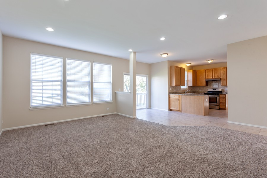 Real Estate Photography - 763 Sapphire Dr, Bolingbrook, IL, 60490 - Family Room