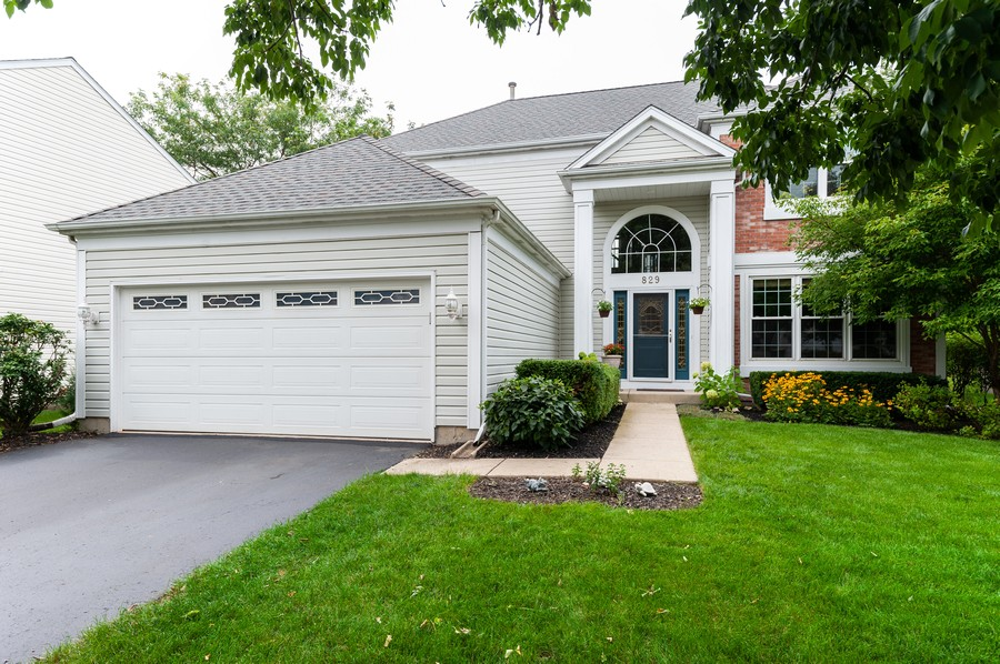 Real Estate Photography - 829 Tylerton Cir, Grayslake, IL, 60030 - Front View