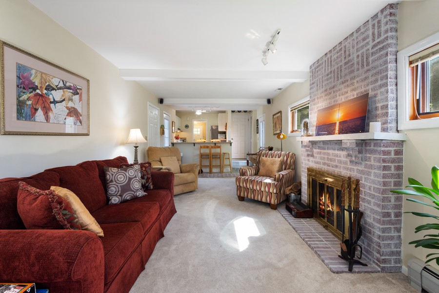 Real Estate Photography - 756 South Summit St, Barrington, IL, 60010 - Living Room