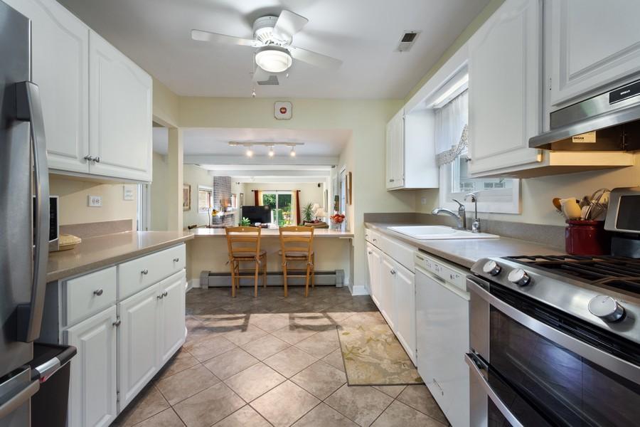 Real Estate Photography - 756 South Summit St, Barrington, IL, 60010 - Kitchen