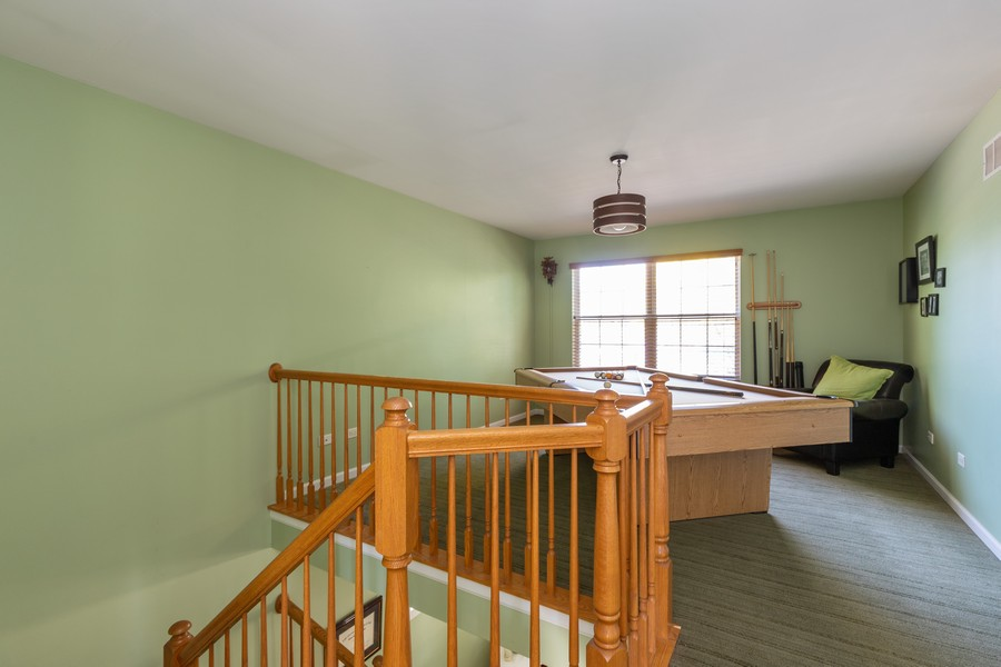 Real Estate Photography - 843 Newbury Ct, Grayslake, IL, 60030 - Loft