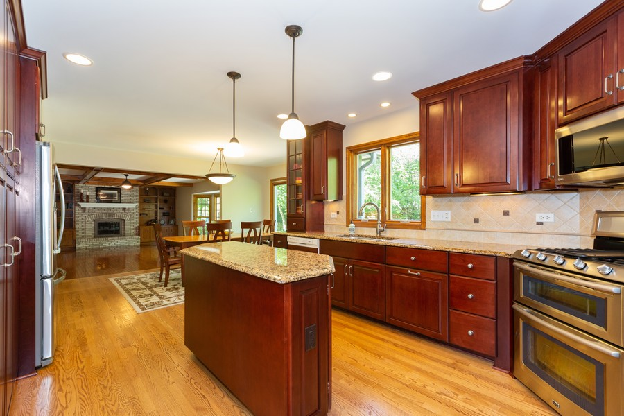 Real Estate Photography - 3011 Bennett Dr, Naperville, IL, 60564 - Kitchen