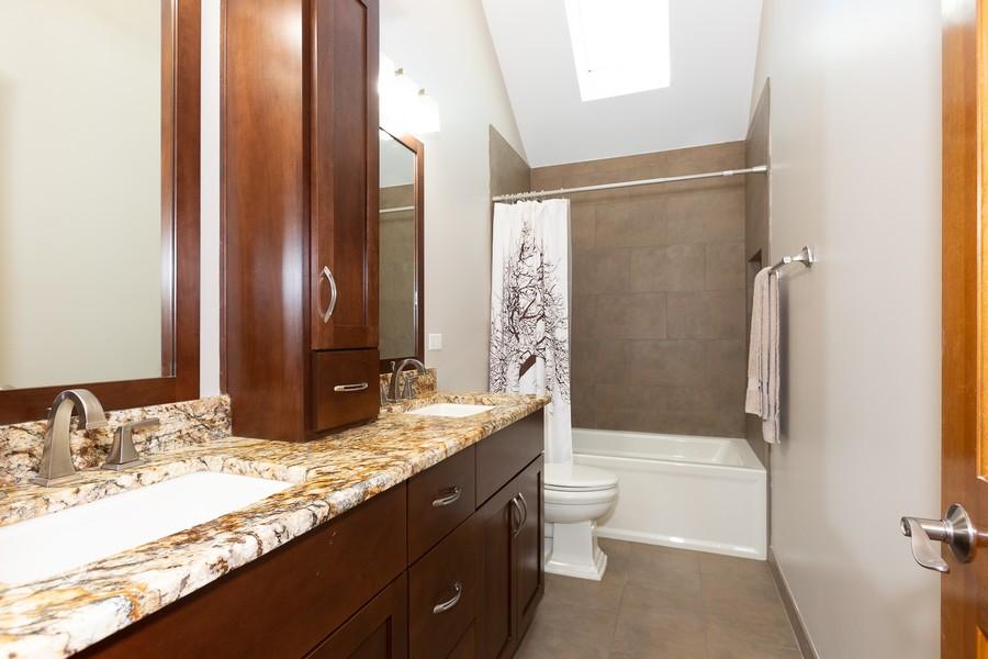Real Estate Photography - 3011 Bennett Dr, Naperville, IL, 60564 - Bathroom
