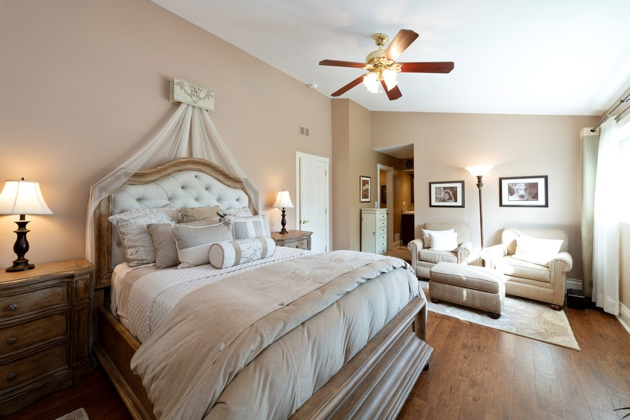 Real Estate Photography - 1219 Gulfstream Pkwy, Libertyville, IL, 60048 - Master Bedroom