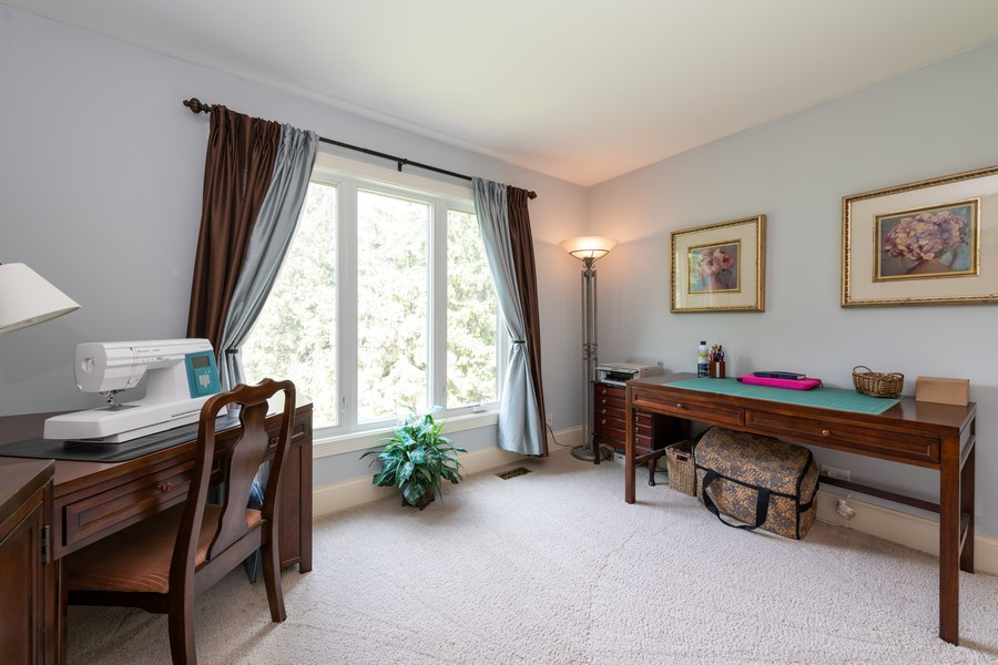 Real Estate Photography - 1219 Gulfstream Pkwy, Libertyville, IL, 60048 - 2nd Bedroom