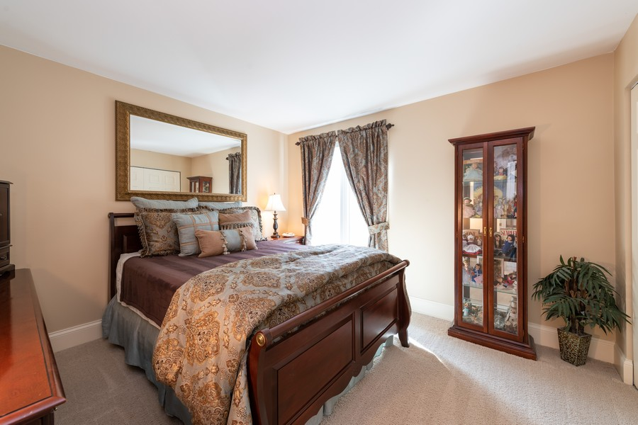 Real Estate Photography - 1219 Gulfstream Pkwy, Libertyville, IL, 60048 - Bedroom