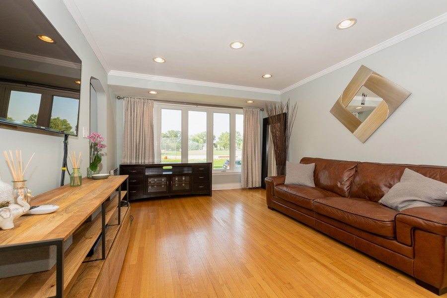 Real Estate Photography - 4347 West 108Th Pl, Oak Lawn, IL, 60453 - Living Room