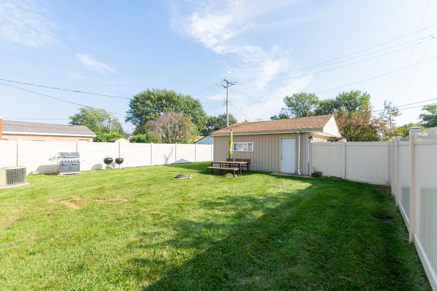 Real Estate Photography - 4347 West 108Th Pl, Oak Lawn, IL, 60453 - Back Yard