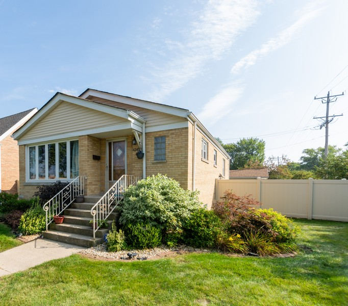 Real Estate Photography - 4347 West 108Th Pl, Oak Lawn, IL, 60453 - Front View