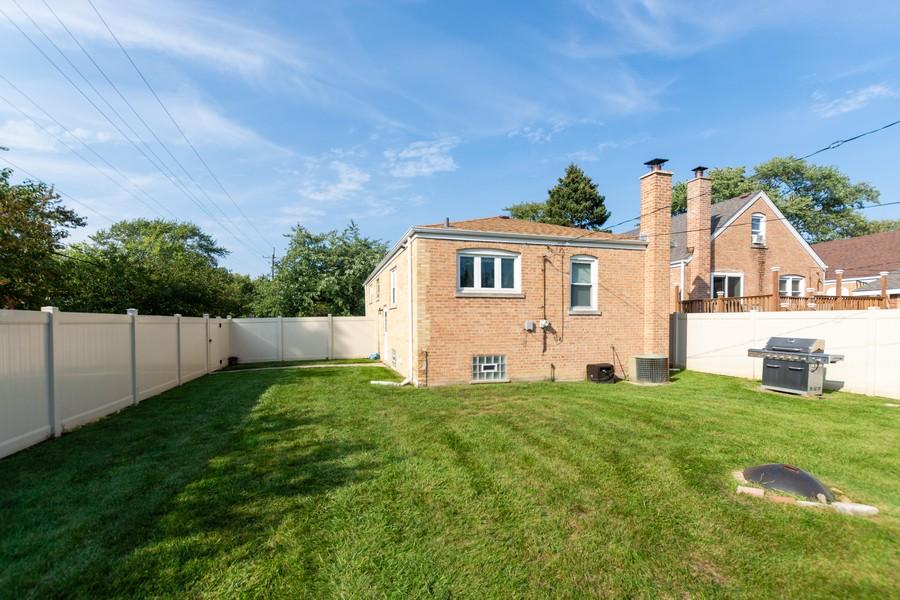 Real Estate Photography - 4347 West 108Th Pl, Oak Lawn, IL, 60453 - Rear View