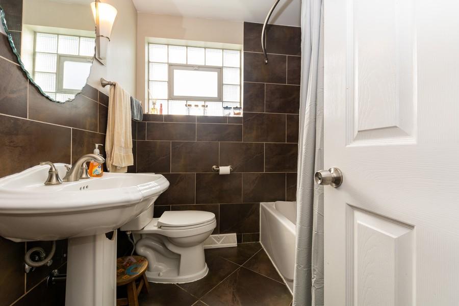 Real Estate Photography - 4347 West 108Th Pl, Oak Lawn, IL, 60453 - Bathroom