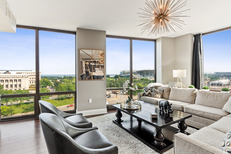 Real Estate Photography - 233 E 13th St, Unit 1006, Chicago, IL, 60605 - Living Room