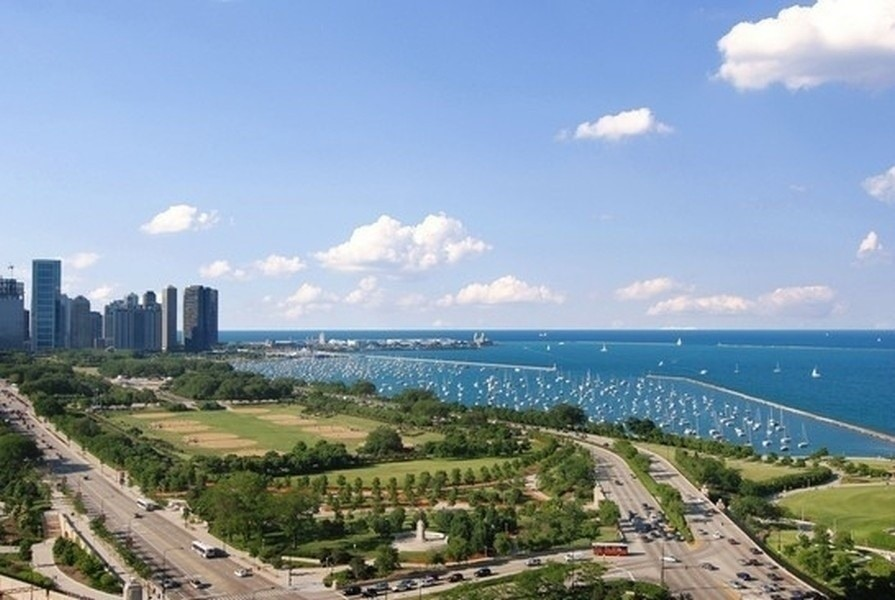 Real Estate Photography - 233 E 13th St, Unit 1006, Chicago, IL, 60605 -