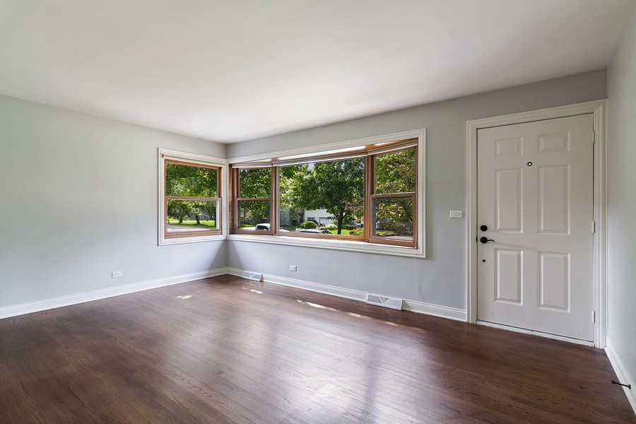 Real Estate Photography - 425 Aurora Way, Wheaton, IL, 60187 - Living Room